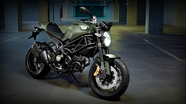 Ducati Monster / 696, 795, 796, 1100 EVO, Monster Diesel.